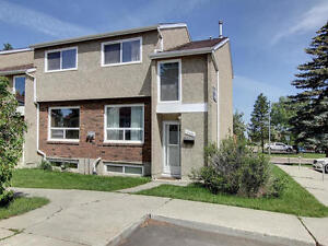 4 BEDROOM TOWNHOUSE CLOSE TO WEST EDMONTON MALL