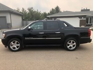 Loaded 2012 Chevrolet Avalanche LTZ 4WD