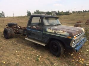 1977 Ford F350 with Hydrualic Lift Classic Project Truck