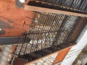 Plusieurs sections d'escalier a MOITIER prix neuve et usag??e