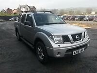 breaking silver nissan navara D40 euro 3, 2.5 turbo diesel 4x4 manual parts spares