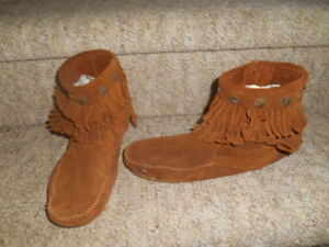 Ladies size 8 footwear