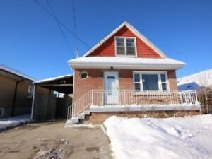 Amazing Location! Close To Schools, Highway, Parks & Mall!