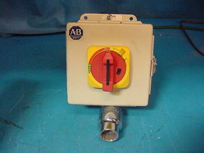 Allen Bradley 194E-GA32E Enclosed Motor Disconnect Switch 15 HP @ 480V 32A 3P
