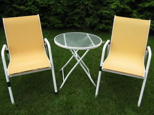 Deck chairs & table
