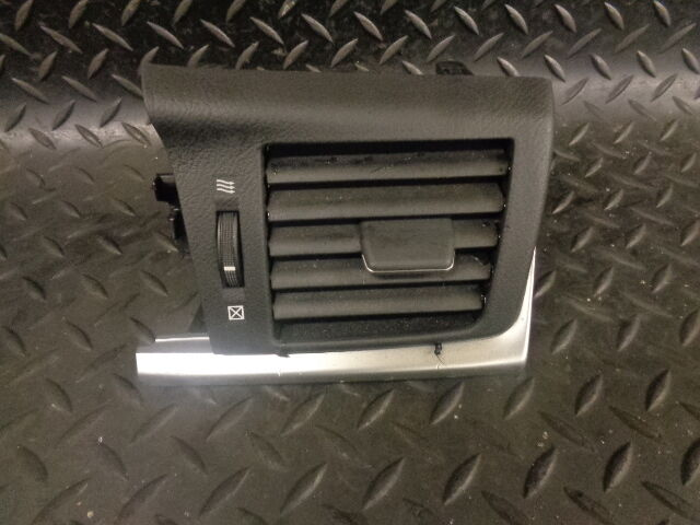 2012 LEXUS CT200H 1.8 HYBRID DRIVER SIDE AIR VENT 55650-76020