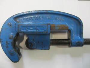 """Pipe cutter / coupe tuyaux Record 1/2"""" - 2"""" Gatineau Ottawa / Gatineau Area image 2"""