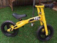 Chicco Cross Runner Balance Bike (Yellow)