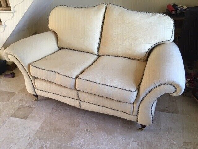 Cool Traditional Style Settee In Peterborough Cambridgeshire Gumtree Gmtry Best Dining Table And Chair Ideas Images Gmtryco