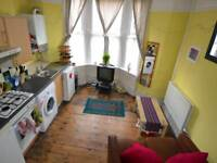 1 bedroom house in Claude Road, Roath, Cardiff