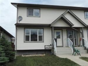 NEW PRICE - Supurb Family 4 bedroom duplex with fenced backyard