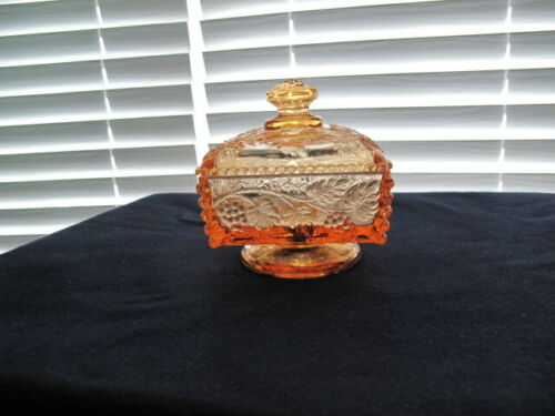 VINTAGE WESTMORELAND BEADED GRAPE CANDY DISH - HONEY COLOR(?)