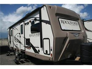 CLEARANCE PRICING ROCKWOOD ULTRALITE 2608WS!FREE EQ HITCH!