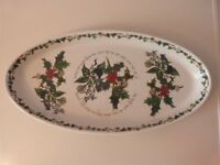 PORTMEIRION HOLLY AND IVY LARGE OVAL BAKING/SERVING DISH