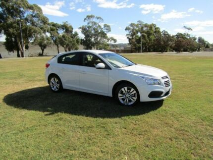 2015 Holden Cruze JH Series II MY15 Equipe Heron White 5 Speed Manual Hatchback Invermay Launceston Area Preview