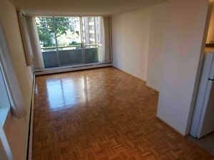 Big studio apartment West End (600 s.f.) Downtown-West End Greater Vancouver Area image 2