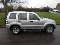 JEEP CHEROKEE 2.5 LIMITED CRD 5d 141 BHP (silver) 2004