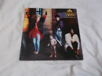 Vinyl LP Here's To Future Days – Thompson Twins Arista 207164 Stereo 1985