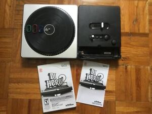 Wii Table de mixage + DJ Hero 2 le jeu - 20$
