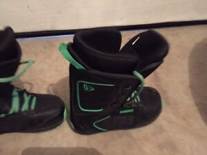 Youth Burton Boots Size.5  Great Condition Stratford Kitchener Area image 4