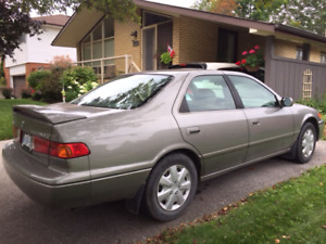 2001 Toyota Camry 1500.00 obo
