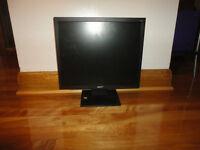"Super LCD Monitor 15"""