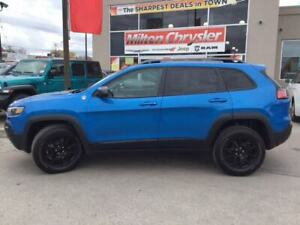 2019 Jeep Cherokee TRAILHAWK 4X4|LEATHER|8.4 INCH RADIO|BACK-UP