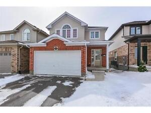***Beautiful detached 3 bedroom house on East end!!***