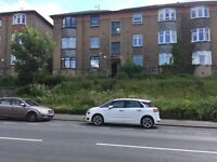 Three bedroom ground floor flat in Dorchester Avenue Kelvindale area - Available Now
