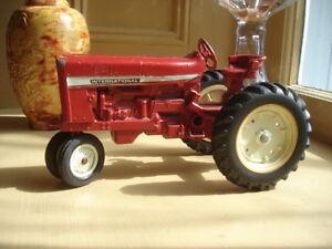 Antique Toy International farm tractor