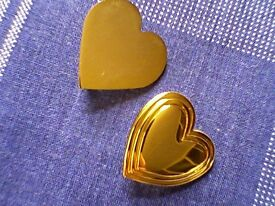 """2 GOLDEN HEART """"VARIETY CLUB"""" BROOCHES/BADGES - UNUSED"""