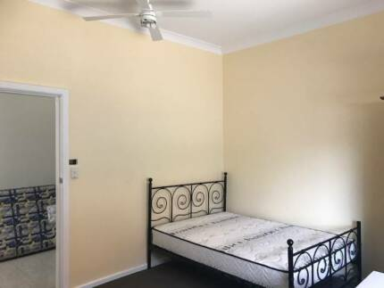 Beautiful large rooms in amazing share house available!