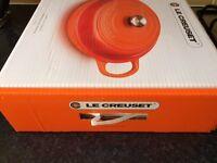 New Le Creuset Signature Cast Iron Shallow Casserole 30 cm .
