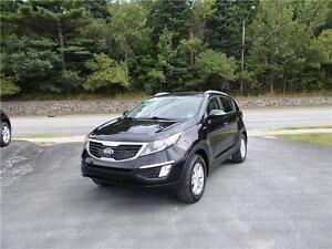 2013 KIA SPORTAGE AWD...LOADED!! BLUETOOTH & HEATED FRONT SEATS!