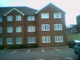 2 bed flat - part furnished - near town centre - £795 per month + bills