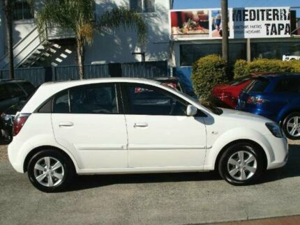 2010 Kia Rio JB MY10 S White 5 Speed Manual Hatchback Minyama Maroochydore Area Preview