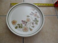 """Marks & Spencer Autumn Leaves 6 x Dinner Plates 10.5"""", 6 x Bowls & 1 small plate"""