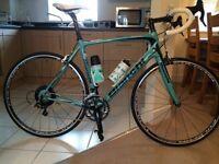 Bianchi Intenso road bike< never ridden