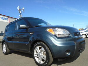 2010 Kia Soul 2U SPORT PKG -2.0L AUTO-EXCELLENT SHAPE IN AND OUT