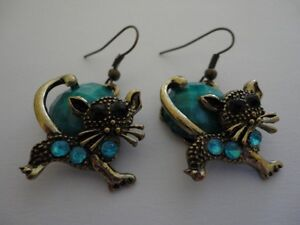 Women's teal blue beaded antique gold tone cat earrings NEW London Ontario image 1