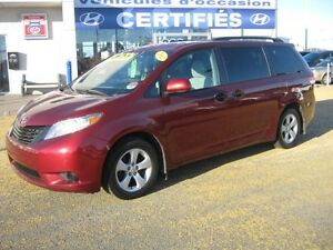 2012 Toyota Sienna CE 7 passagers, mags.