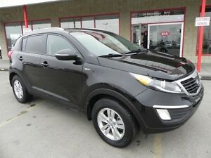 2013 Kia Sportage AWD LX Heated Seats,  Bluetooth,  A/C,