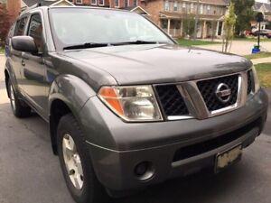 2005 Nissan Pathfinder 7 passenger V6 4.0 L $3500