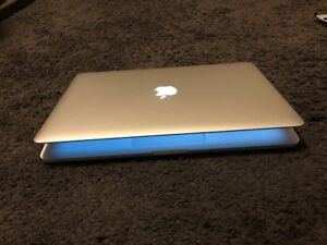 MacBook Pro mid 2015/Retina/2.8Ghz Core I7/16GB Ram/1TB SSD