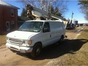 2001 Ford E350 Bucket Truck