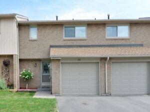 Absolutely Stunning Renovated 3Bdrm Town In Falgarwood Community