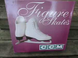 CCM Women's Figure Skates Size 9, Champion Deluxe, W-CD, New in