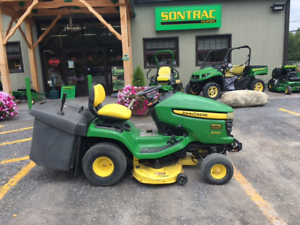 JOHN DEERE X300R LAWNMOWER WITH BAGGER SYSTEM