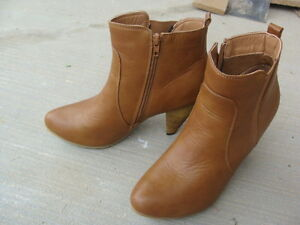 Very cute boots from Suzy Shier !!