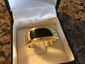 Men's 14kt Gold/Onyx Ring, 4 Diamonds (size 10)